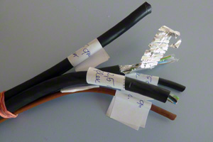 Verwendung abgeschirmter Stromkabel