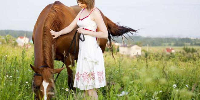 Pferd und Mensch, eine Einheit (©123rf.com)