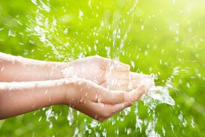Wasser - unübertroffen wertvoll!  (©123rf.com)