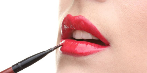 Verführerische rote Lippen – aber bitte ohne Gift!